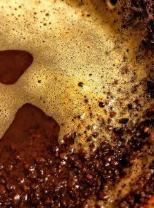 Kaffeesud Kaffeesatz mit Wasser